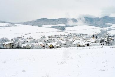 Obec Vitaz pod snehom 2015 P1310577
